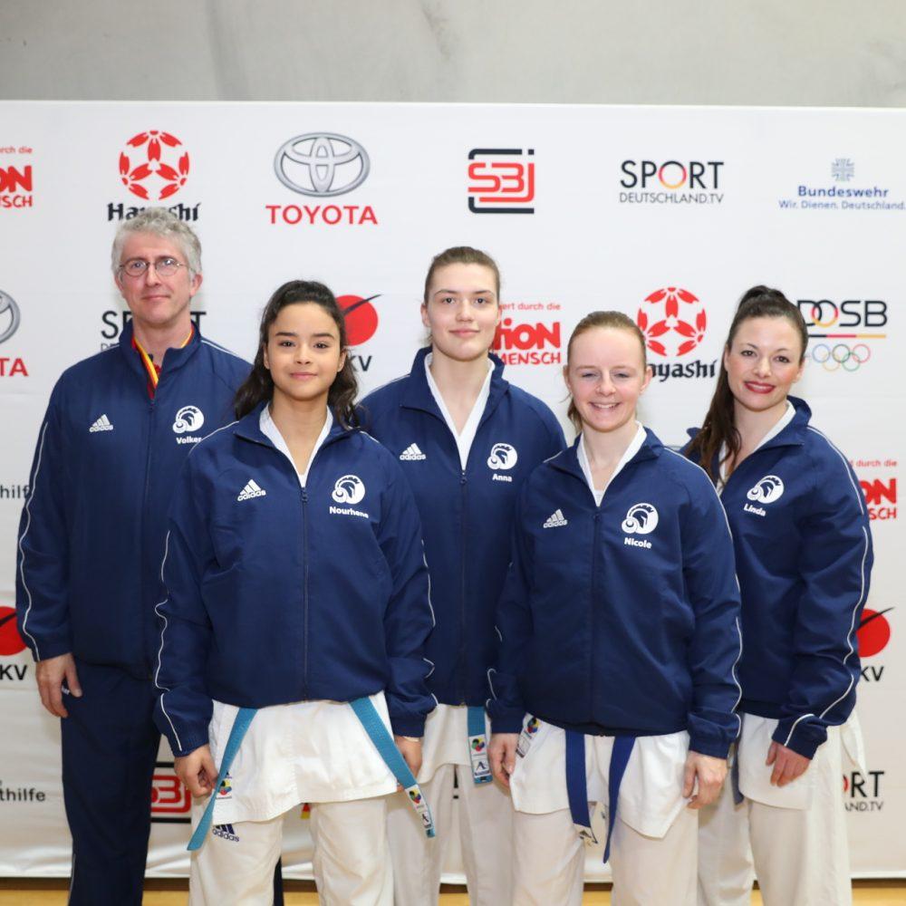 Knights Gruppen 5. Nach Hinrunde in Karate Bundesliga